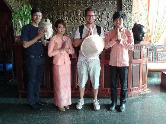 Golden Butterfly Villa: Staff do hotel