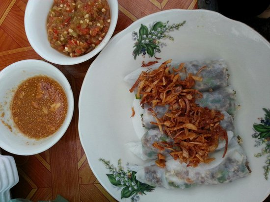 Victoria Xiengthong Palace: Steamed rice noodles