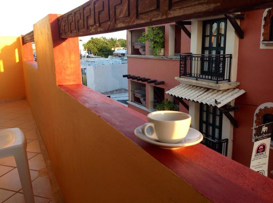 Hotel Bucaneros Hotel & Suites: My balcony and coffee freshly made.