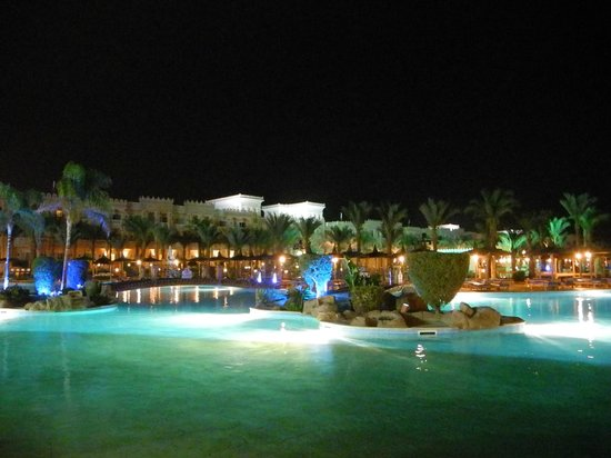 Albatros Palace Resort: ...abends