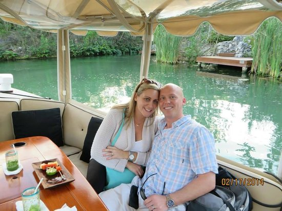 Rosewood Mayakoba: boat ride to our room