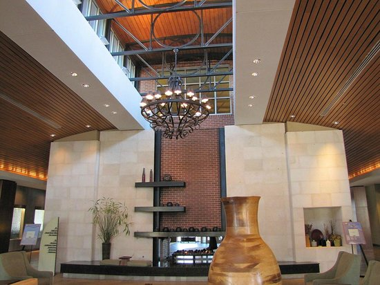 The Chattanoogan : Lobby Area