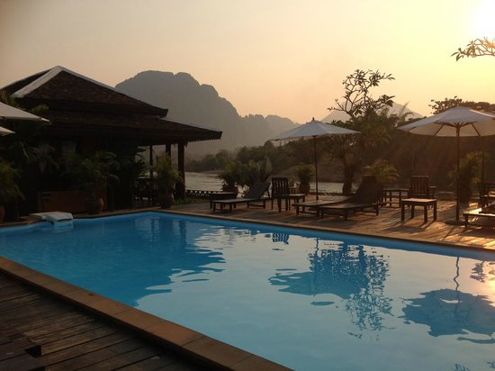 Villa Vang Vieng Riverside: Swimming pool