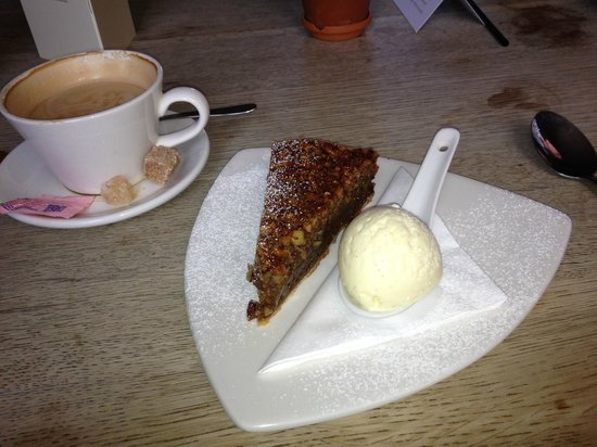 The Hare and Hounds: Pecan Pie and ice cream