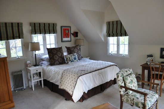 Creekside Montecito: Lovely room