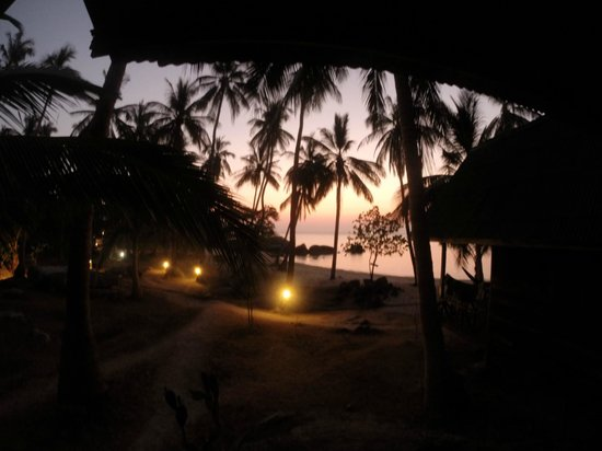 Sai Thong Resort & Spa : View from Beach Hut at Sunset