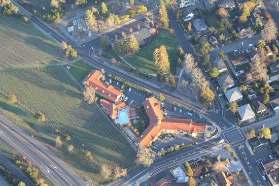 A view of Napa Valley Lodge from our hot air balloon ride