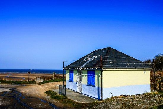 Traeth Lligwy: Lligwy Beach Cafe.