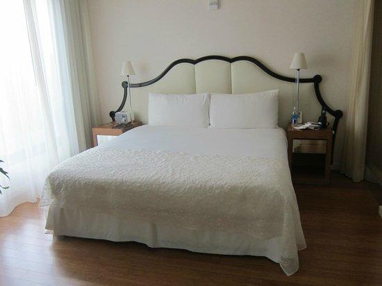 Mondrian Los Angeles Hotel : Bed