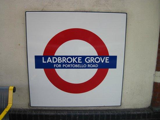 Portobello House: Metro - Mind the gap
