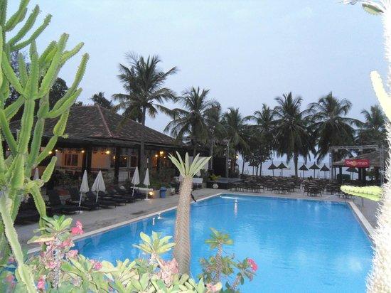 Le Saly Hotel: piscine