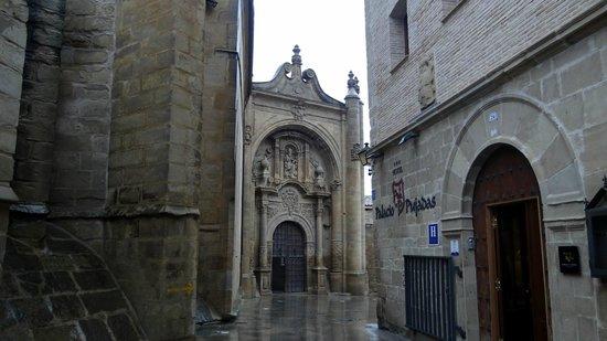 Palacio de Pujadas : En el centro historico de Viana