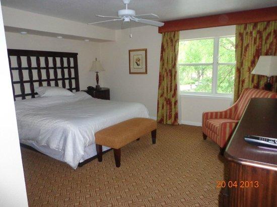 Sheraton Vistana Resort - Lake Buena Vista: Master bedroom