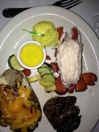 Hilton Marco Island Beach Resort: Meal at Chop 239