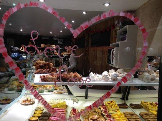 vitrine boulangerie alexine saint valentin 2014 photo de boulangerie alexine paris. Black Bedroom Furniture Sets. Home Design Ideas