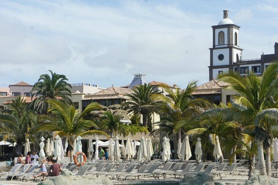Lopesan Villa del Conde Resort & Corallium Thalasso: The main building .