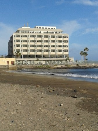 Hotel  Arenas del Mar: exterior of the hotel