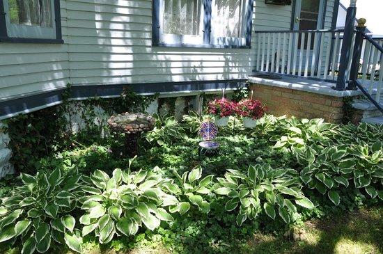Garden Gate Bed and Breakfast : Garden