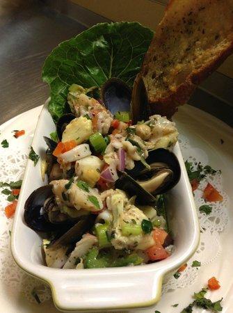 Frutti di Mare, Seafood Salad - Bild von Parmesan Pete's, Naples ...