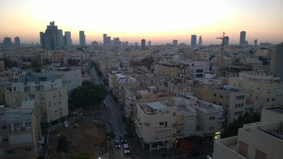 Metropolitan Hotel : Sunrise over Tel Aviv - from a 12th floor room