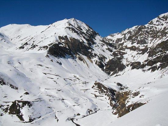 Hostal Rural Casa Moline: alto valle de Llauset
