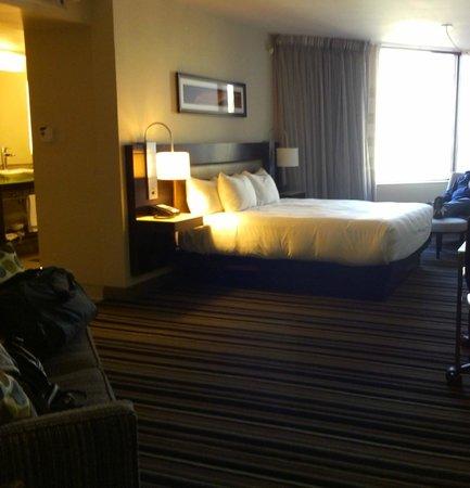Hyatt Regency Indianapolis: the king corner room is nice and big