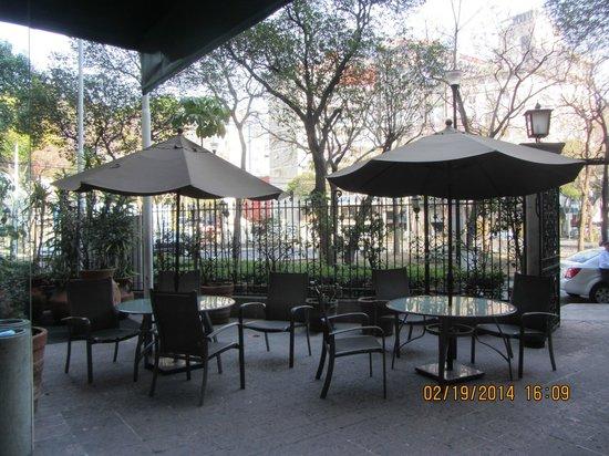 Hotel Bristol : The front courtyard