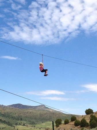 Lava Zipline: getlstd_property_photo