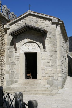 Guaita: Small church