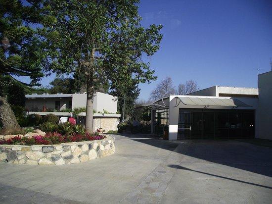 Kfar Giladi Hotel: Front of the Hotel