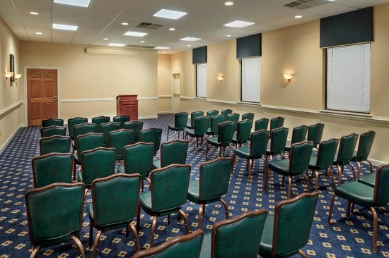 Mulberry Inn and Plaza at Fort Eustis: Meeting Space