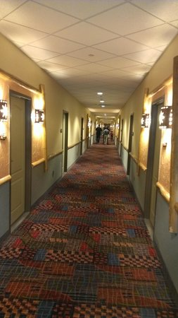 Kalahari Resorts & Conventions : a peek down the hall