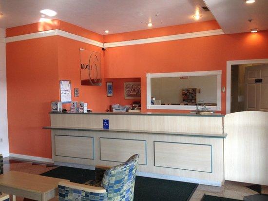 Motel 6 San Rafael: Lobby