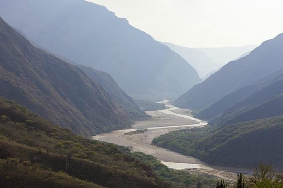 Parque Nacional de Chicamocha: The Canyon of Chicamocha as viewed from a cable car