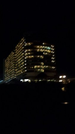 Family Resort: Hotel from the beach at night