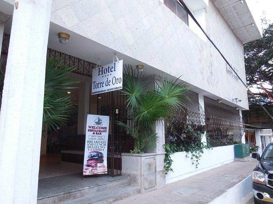 Hotel Torre de Oro: Fachada