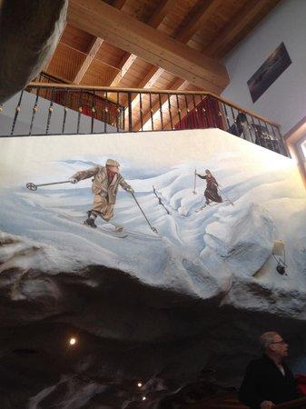 Mottolino Fun Mountain: Una decorazione del bar