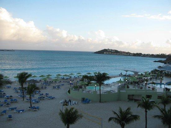 Sonesta Great Bay Beach Resort, Casino & Spa: View from 5th floor balcony