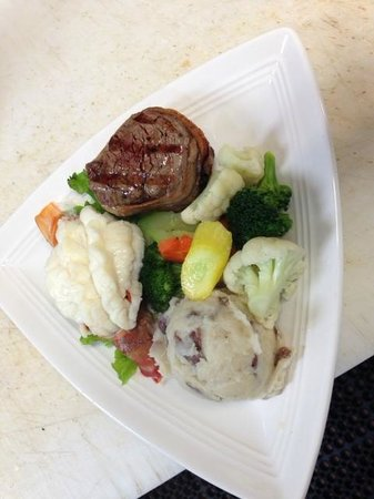 Spyglass Inn Restaurant: Surf and Turf