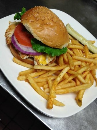 Spyglass Inn Restaurant: Chicken Sandwich
