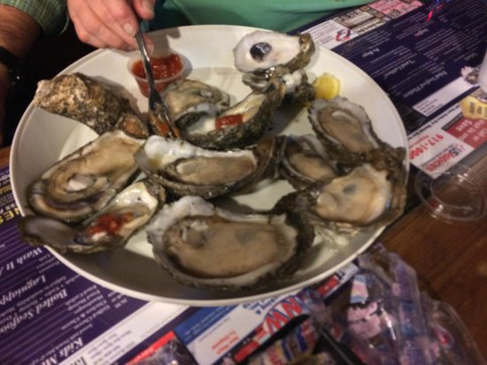 1921 Seafood: Amazing oysters