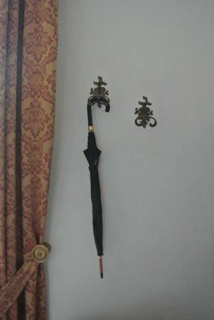 Stanze del David Place : ombrello in camera