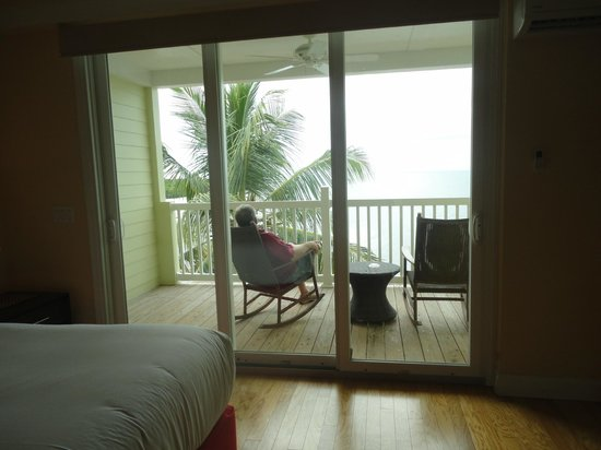 Lime Tree Bay Resort : relaxing on the lanai outside our suite.