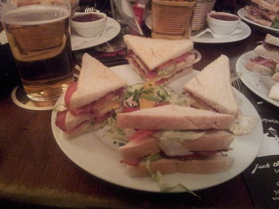 Jack the Ripper's London Tavern: Fosters und BLT Sandwich