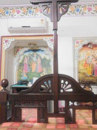 Umaid Bhawan Heritage House Hotel : Our bedroom