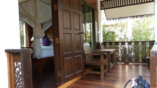 Thai Thai Sukhothai Guest House : schöne Veranda