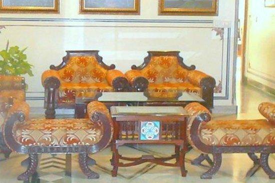 Umaid Bhawan Heritage House Hotel: Sitting area