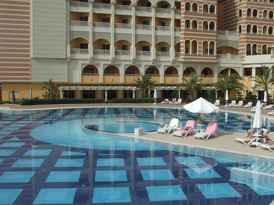 Royal Alhambra Palace: Pool area