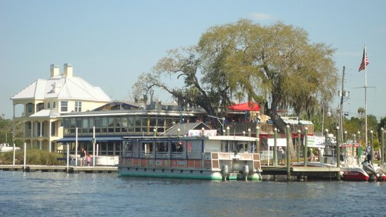 ‪‪Homosassa Riverside Resort‬: The dinner/cruise boat that leaves from the resort‬