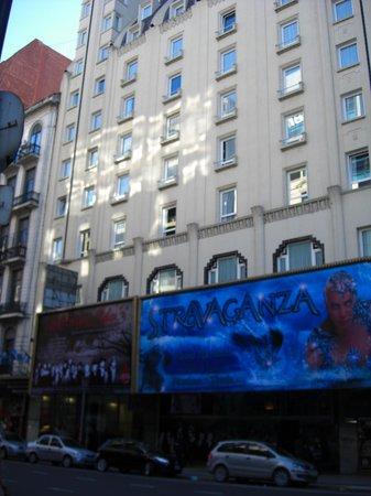 Broadway Hotel & Suites : Hotel
